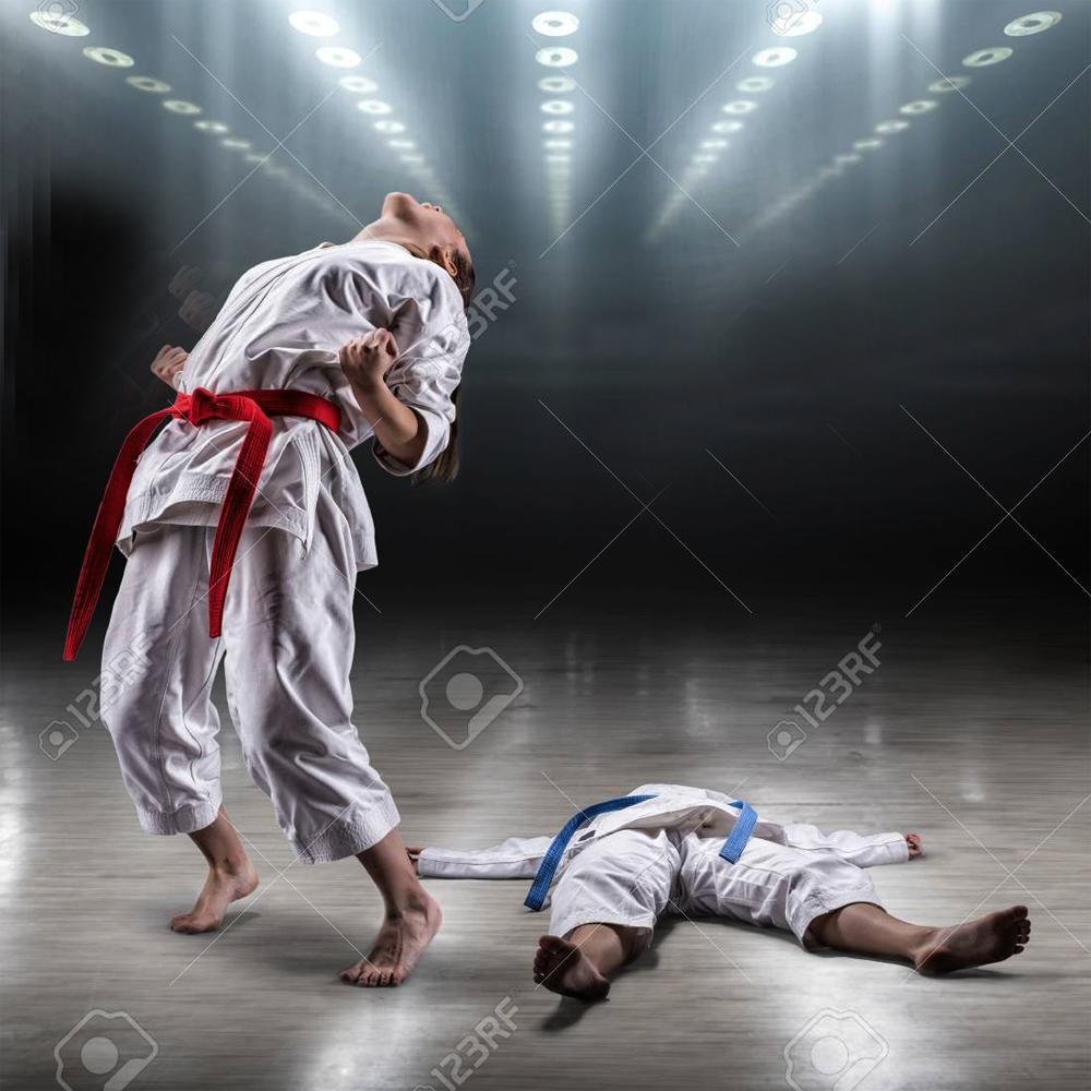 все видео девушки в кимоно борются родители вместе
